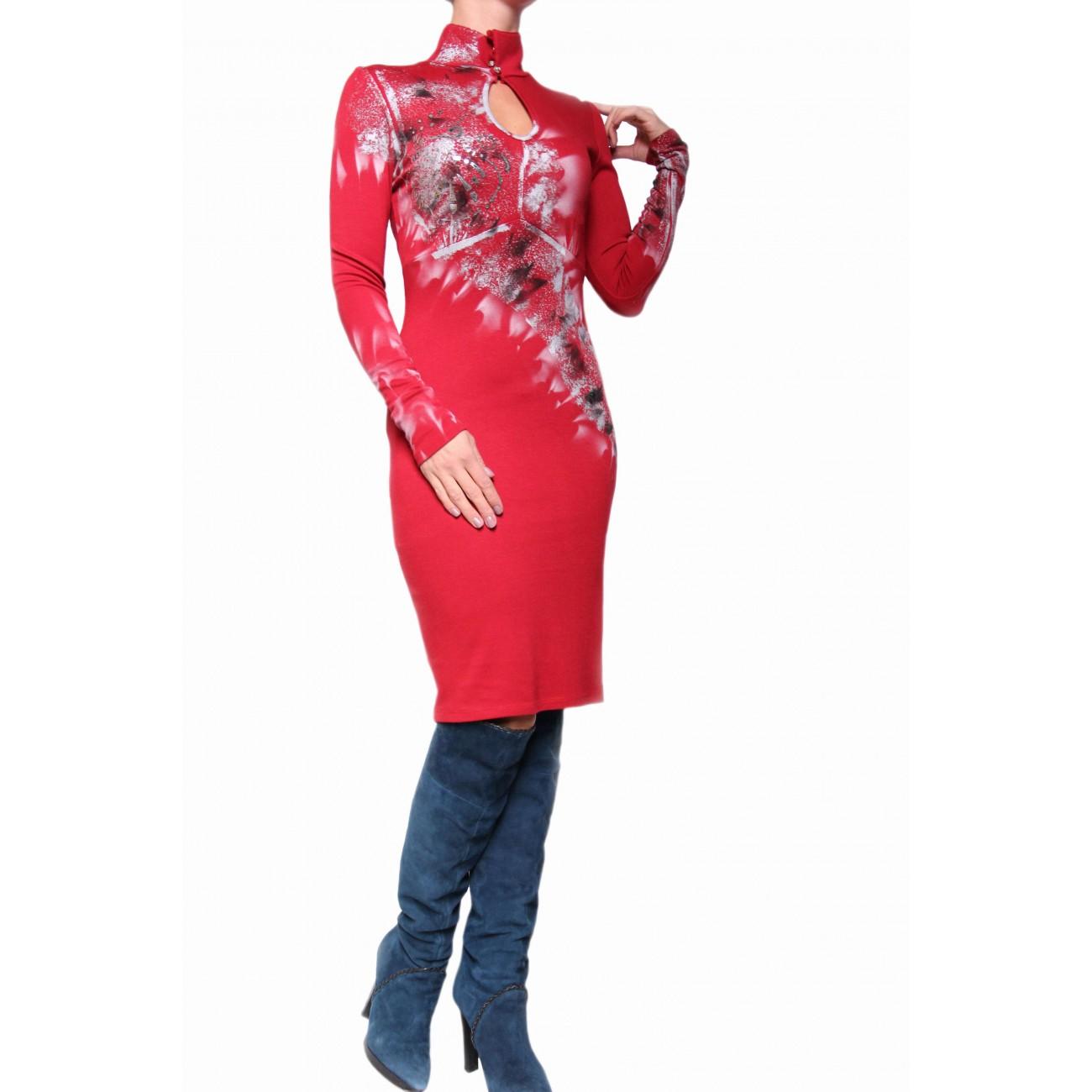 Платье - футляр с воротником стойка и каплей
