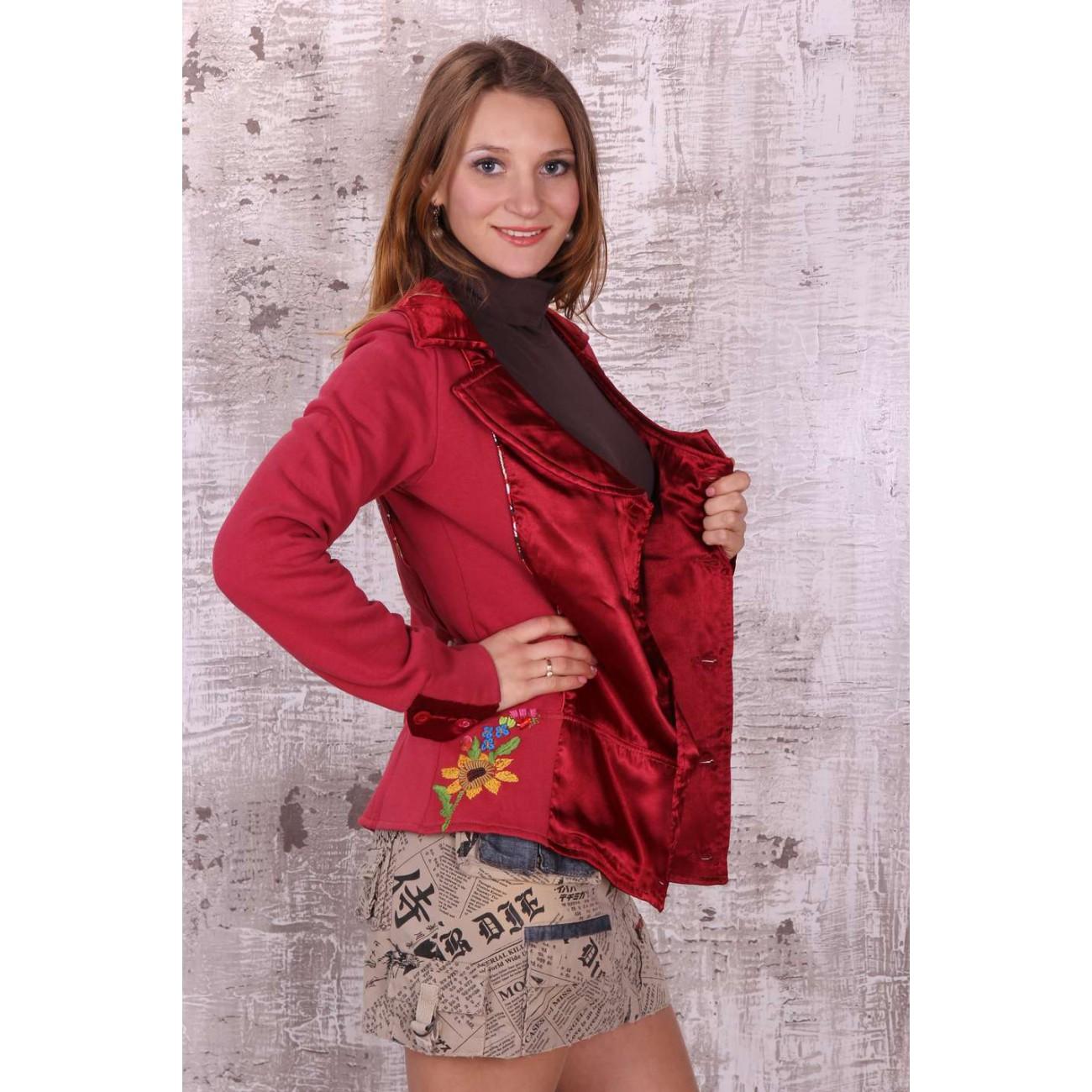Жакет двубортный с атласными вставками и вышивкой
