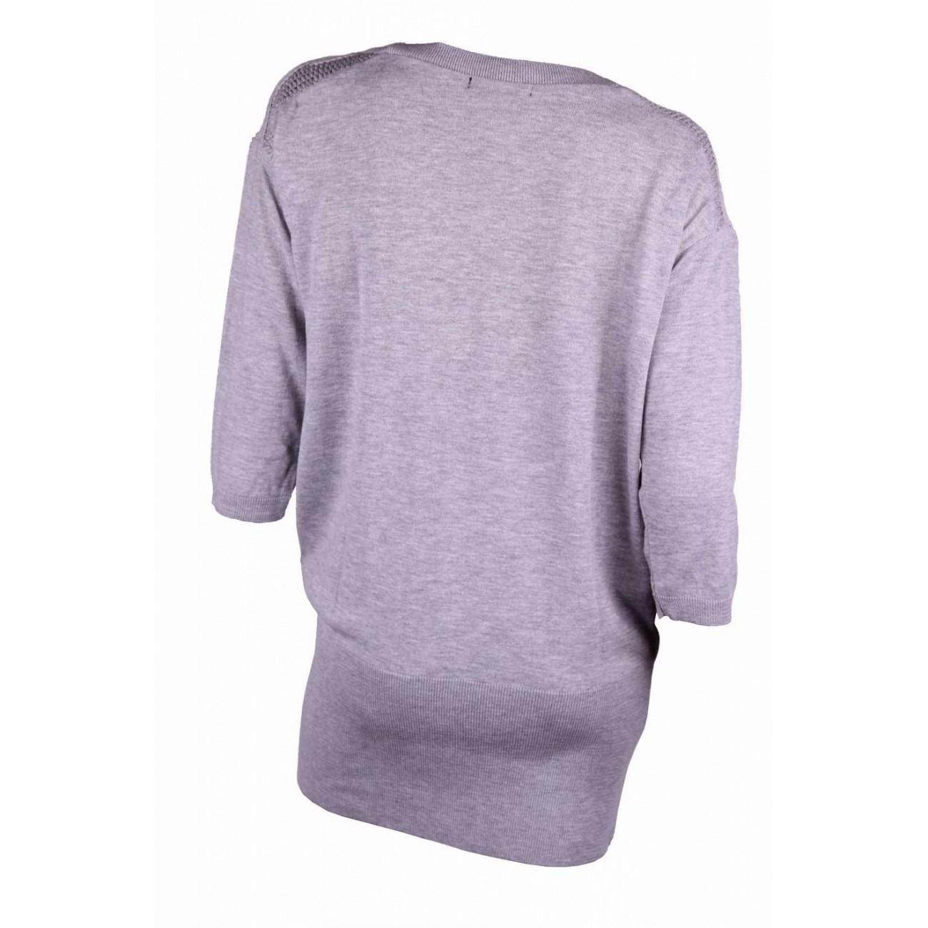 Туника-блузон тонкой вязки, с ажурной вязаным кружевом по плечу