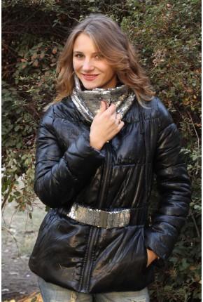 Куртка из итальянской ткани с восковым покрытием  и воротником с паетками