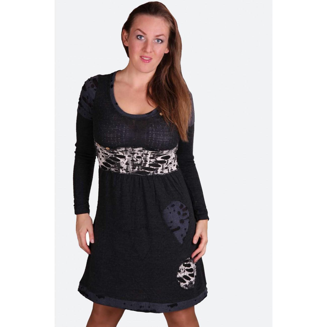 Платье с трикотажными вставками